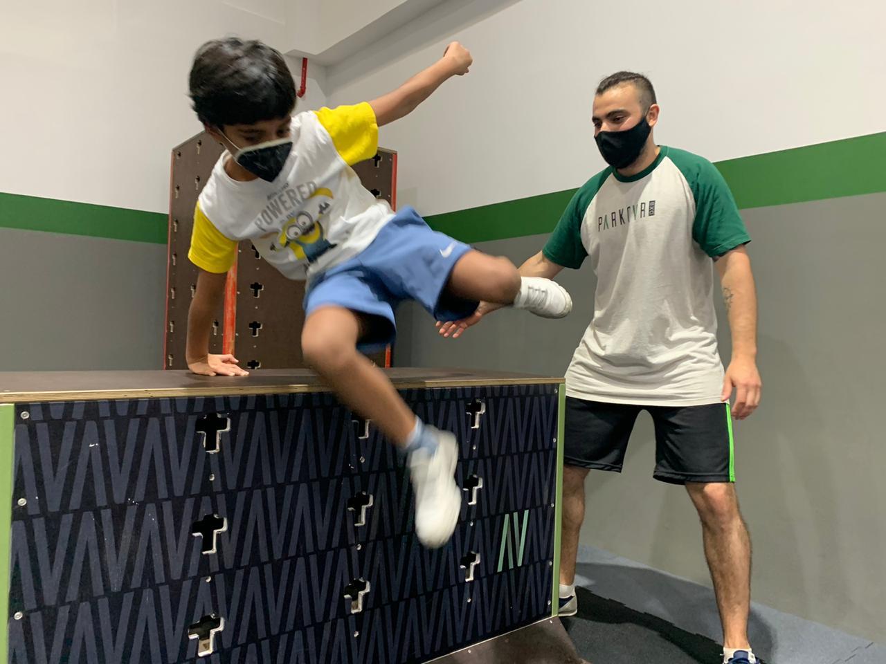Messenger Leads 3 Parkour Dubai Abu Dhabi